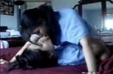 Pasangan Lesbi Belok Lagi Gesek Meki Hot