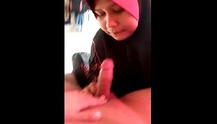 Tante Jilbab Pink Jago Nyepong