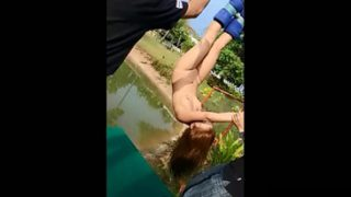 OMG Bungee Jumping Sambil Bugil Telanjang Bulat